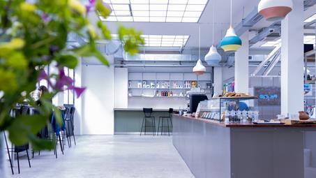 Modern Cafeterias & Buffets